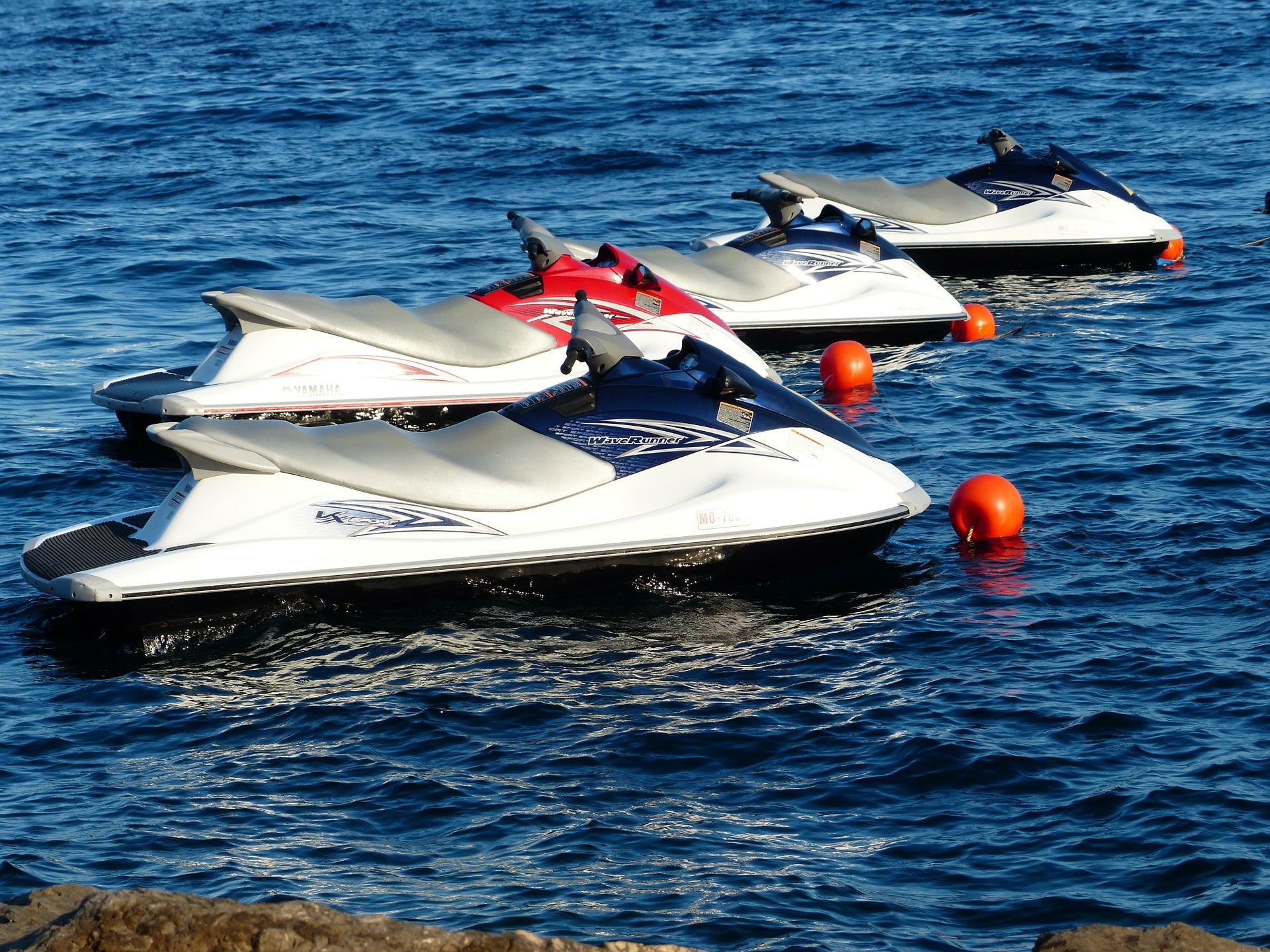 seguro motos de agua multiplaza runabout